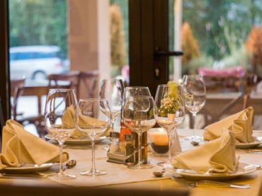Branża gastronomiczna eksperymentuje ze sztuczną inteligencją